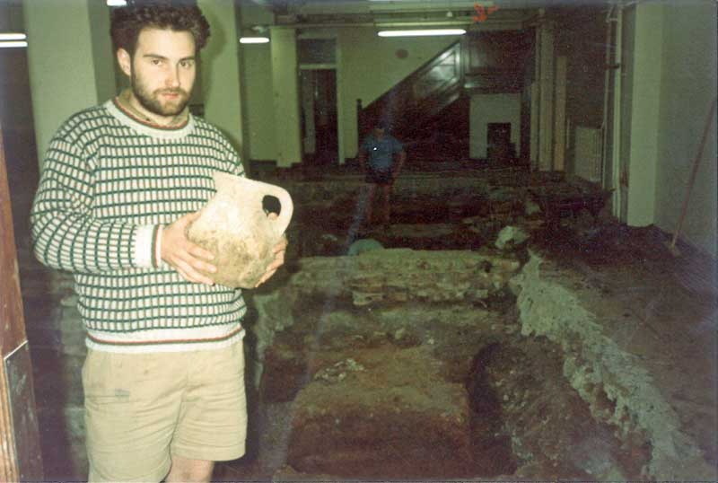 Eagle House, 86–96 Cannon Street, EC4 - Photo of Jeremy Oetgen with ?complete pot and (unlike the others) relatively modest shorts!